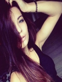 Красотка Полина из